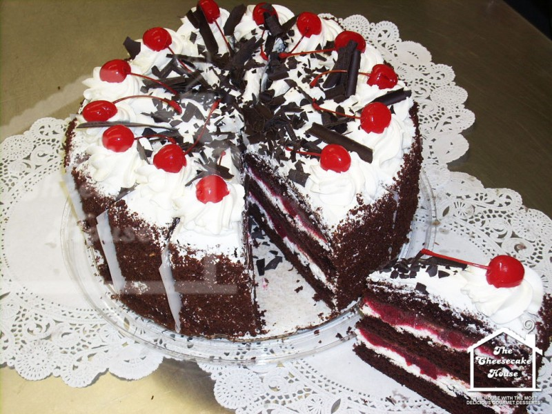 img_cheesecake_black-forest-layer-cake_1024x768